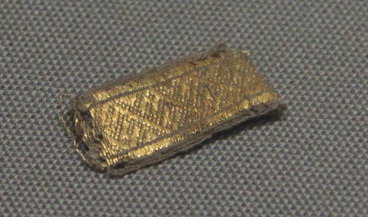 National Museum Dublin - Größe des Originals ca. 3x1 cm