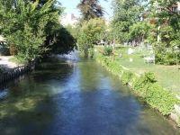 L'Isle sur la Sorgue la vie est un long fleuve tranquille ... :)