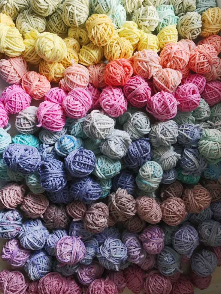 Hundreds of beautiful balls of hand dyed yarn for The Unusual Pear's sold out weaving workshop in Melbourne! This one makes a great screen saver!!
