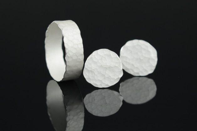 Ohrstecker - Gehämmerte Silberohrstecker - ein Designerstück von Likedeeler-Schmuck bei DaWanda