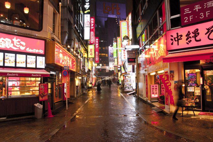 alley_in_tokyo__japan_by_lgmvmnt_photo-d4oae34.jpg (900×602)
