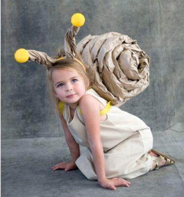 Easy DIY snail costume for kids - Halloween costume // Csiga jelmez gyerekeknek - farsangi jelmez egyszerűen // Mindy - craft tutorial collection