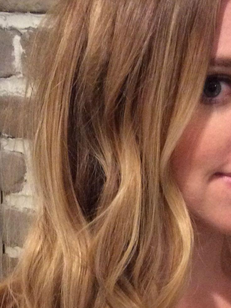 Seamless  blonde Balayage hair painting highlights