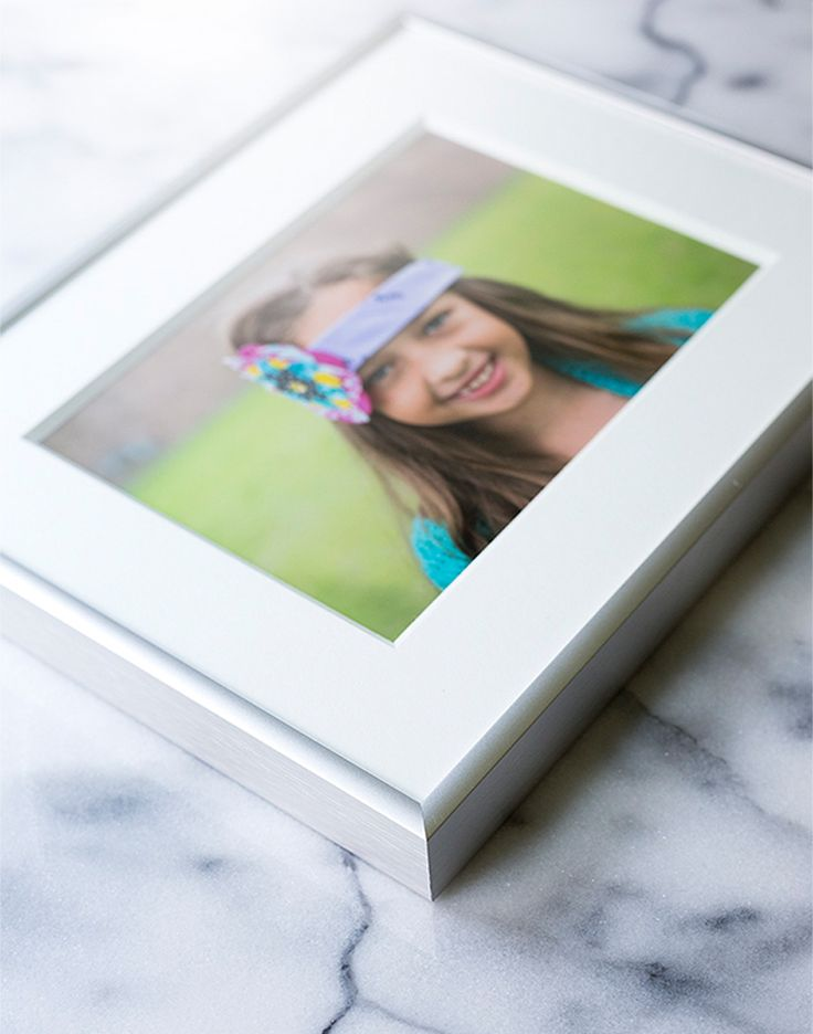 Hurricane Harvey Flood damaged photographs of loved ones and life events that cannot be replaced.  Before you give them up and throw these prized possessions away, here are a few ways to help salvage your photos.