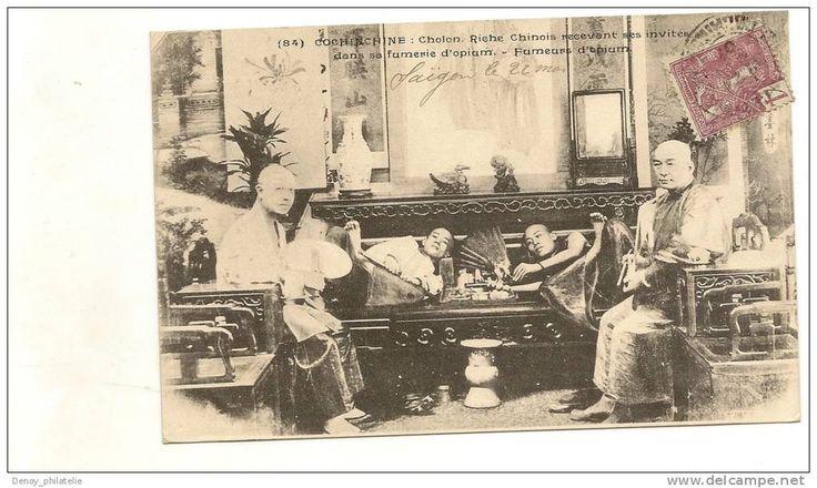 COCHINCHINE : Cholon, RicheChinois Recevant des invités dans sa fumerie d'opium - Fumeurs d'opium - n°84 FIEVET editeur