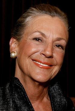 Alice Walton, art lover and Crystal Bridges benefactor ~ a really beautiful lady!