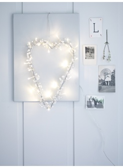 lovely : simple valentines deco - wire heart + string lights + blank canvas
