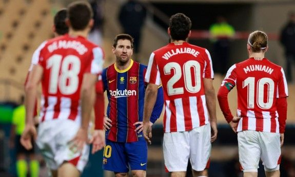 Messi Sees Red As Bilbao Claim Super Cup Glory In 2021 Messi Lionel Messi Bilbao