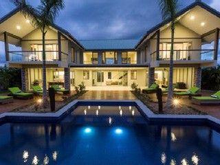 Naisoso Island Holiday Villa: Luxury Villa in Fiji