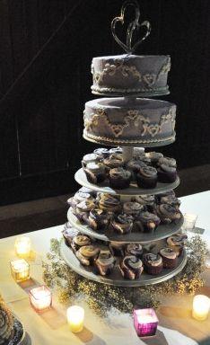 Real Wedding Angela And Jays 5000 Laid Back Family Powered Semi Traditional Arizona Fete Decorated CupcakesCake BallGray