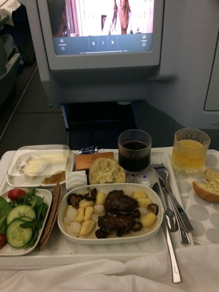 Dinnertime. Finnair.