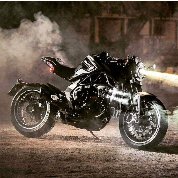 MV Agusta unleashes their new RVS #1 limited edition bike. Wow