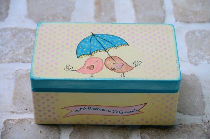 Wyjątkowy kuferek na kartki ślubne od gości!  Do kupienia w sklepie internetowym Madame Allure :-)  #kuferekślubny #wesele #madameallure