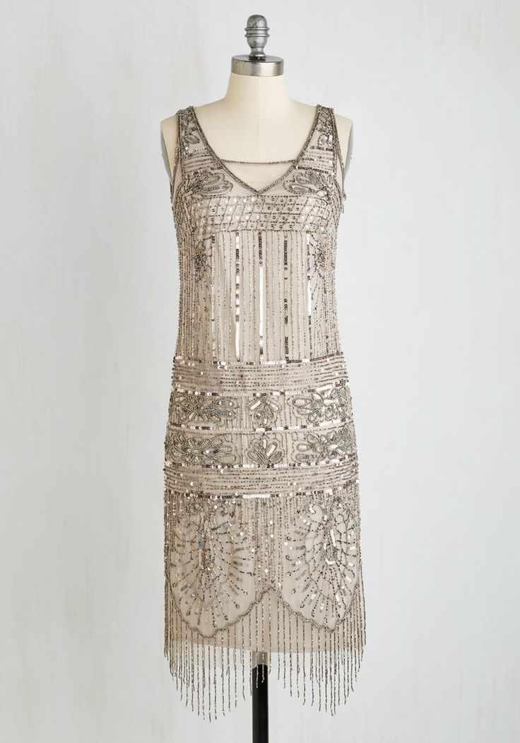 Art deco short and sweet sassy bridesmaid dress for a flapper style vintage wedding. Find more Gatsby-Inspired Bridesmaid Dresses and Accessories: http://www.confettidaydreams.com/bridesmaid-bar/