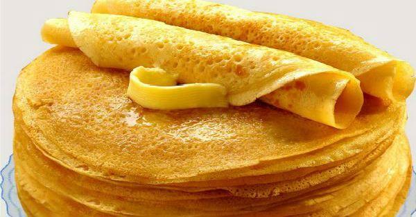 Ингредиенты: кипяток — 1,5 стакана; молоко — 1,5 стакана; яйца — 2 штуки; мука — 1,5 стакана (тесто должно быть реже, чем на оладьи); сливочное масло — 1,5 столовые ложки; сахарный песок — 1,5 столовые ложки; соль — 0,5 чайной ложки; ваниль. Приготовление: Взбейте яйца с сахаром, добавьте соль и ваниль. Далее взбивая смесь, добавляем