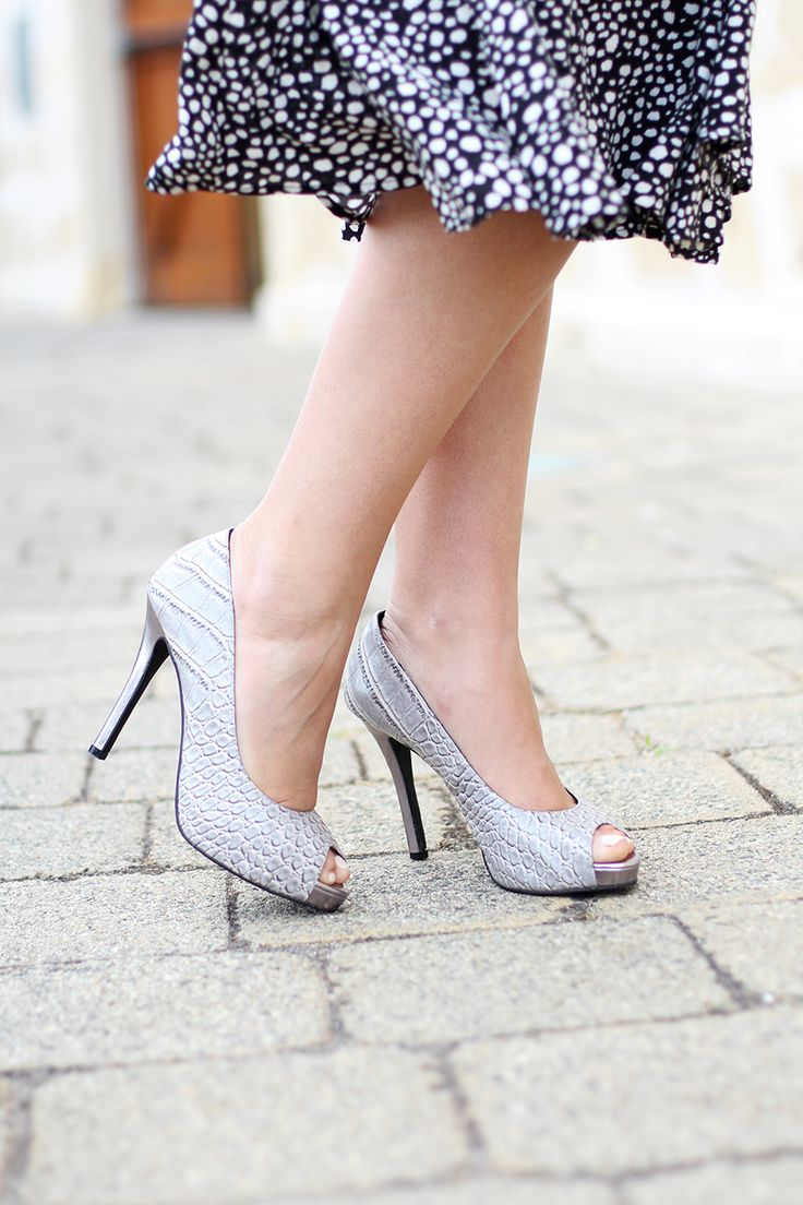 Nobody has done a grey shoe quite like Scarletto's. They are so NOT dull that we actually prefer to call them platinum! This eye-catching, crocodile textured design is the essential 'go-to' shoe when you're not quite sure what to match with your outfit.  Elevate your style with this versatile colour, we guarantee you will absolutely love them and wear them for years to come. http://scarlettos.com.au/gabriel/
