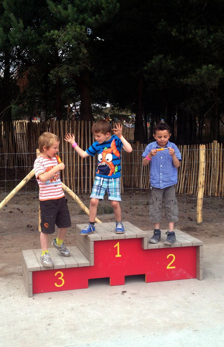 Medaillepodium van Govaplast Play