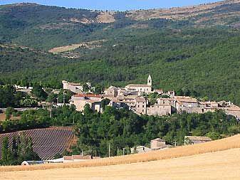 saint auban sur ouveze, drôme, provence, vilages provençaux