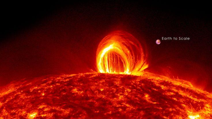 Chuva de fogo no Sol e uma visão da nossa Terra, em escala, mostra a sua pequenez relativa e nós seres humanos nem poeira somos.