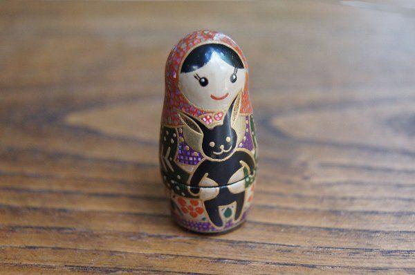 七代目 オレーシャ Olesya with a rabbit doll