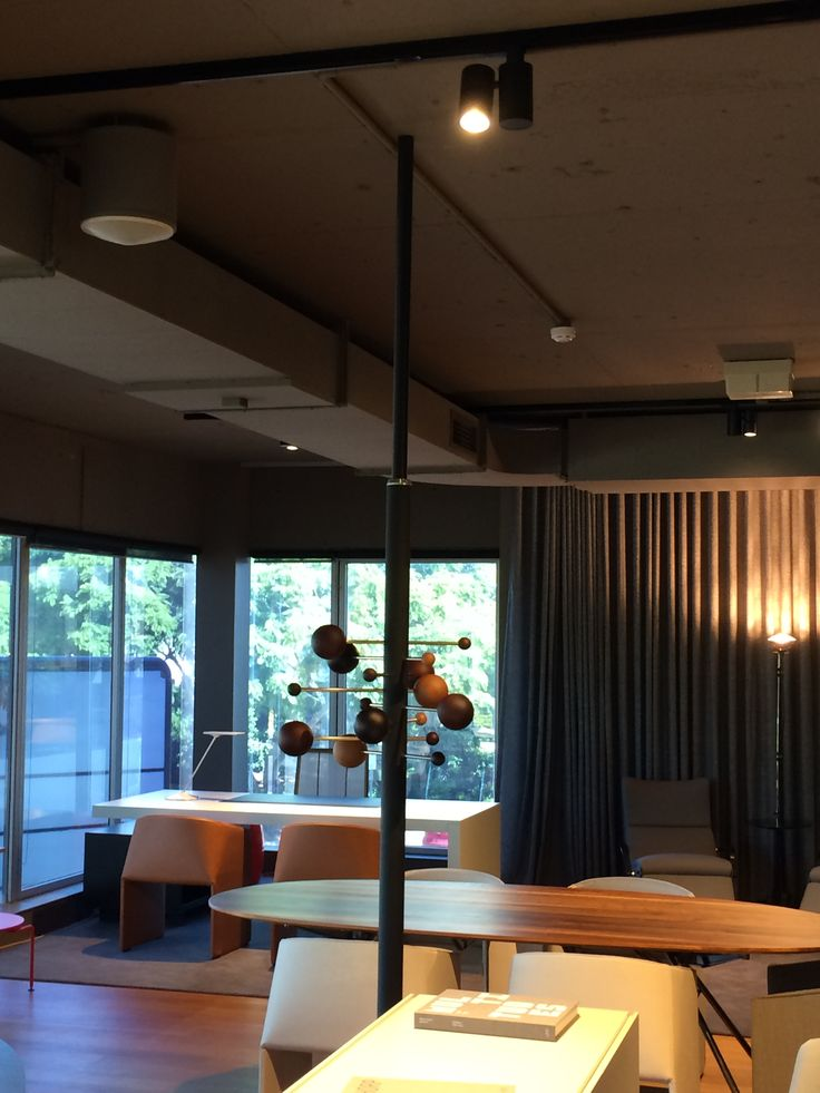 iGuzzini iSight High Colour Rendering Retail Solution.  Schiavello Systems Show Room Queensland www.ladgroup.com.au