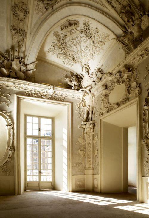 The most jaw-dropping ceilings & walls!Dreams, Paris Apartments, Interiors, Northern Italy, Beautiful, Ceilings, House, Architecture, Design