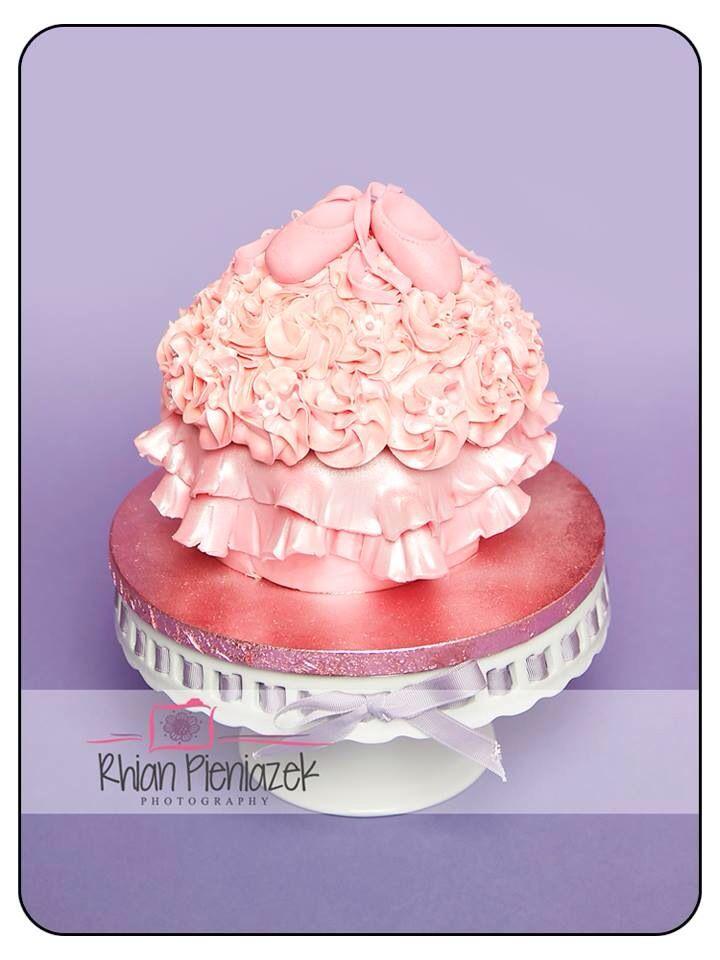 Ballerina cake. Cakes By Helzbach. Rhian Pieniazek Photography.