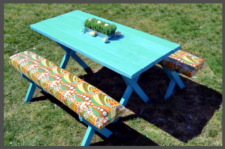 picnic table makeover LOVE THIS! Cheap picnic table (99 at Home Depot) plus a little paint and fabric for a fun outdoor dining area!