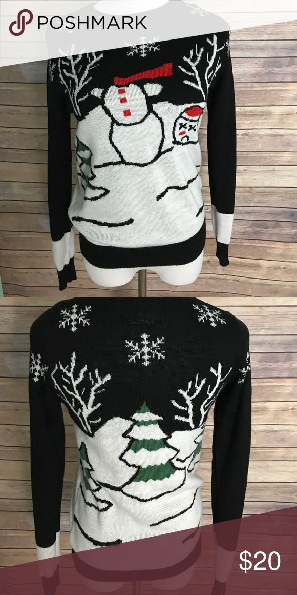 Funny ugly Christmas sweater! Adorable size medium! Only worn once! tipsy elves Sweaters
