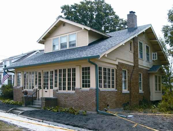 1000 images about bungalow porches on pinterest for Craftsman style screened porch