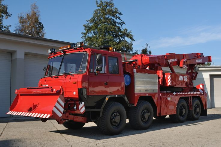 Tatra T815 8x8 wrecker & snowplough rescue truck