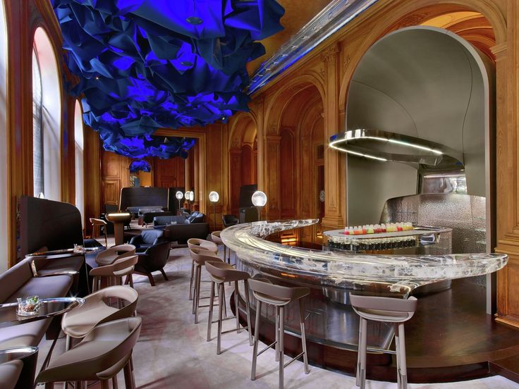 2015 Restaurant & Bar Design Award Winners Announced,Le Bar du Plaza Athénée; France / Jouin Manku. Image Courtesy of The Restaurant & Bar Design Awards