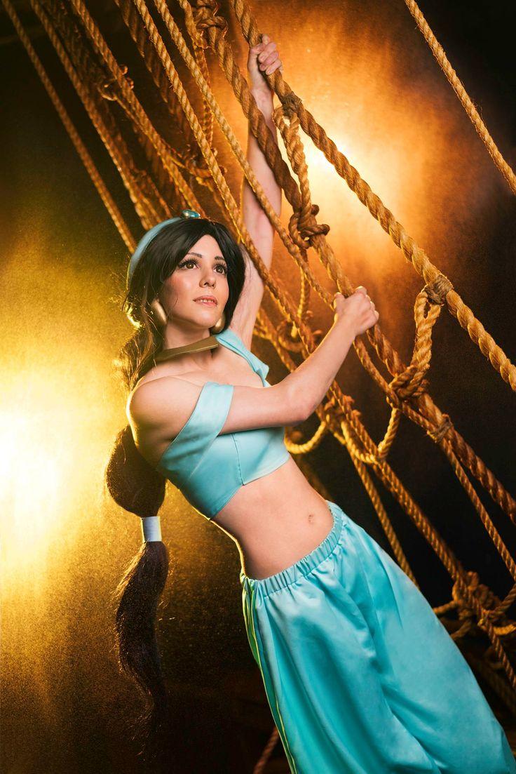 Jasmine (Aladdin) #cosplay at C.A.P.E con 2017