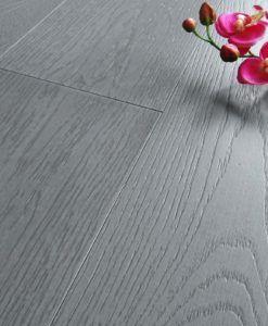 Oltre 25 fantastiche idee su pavimenti in legno chiaro su for Parquet grigio chiaro