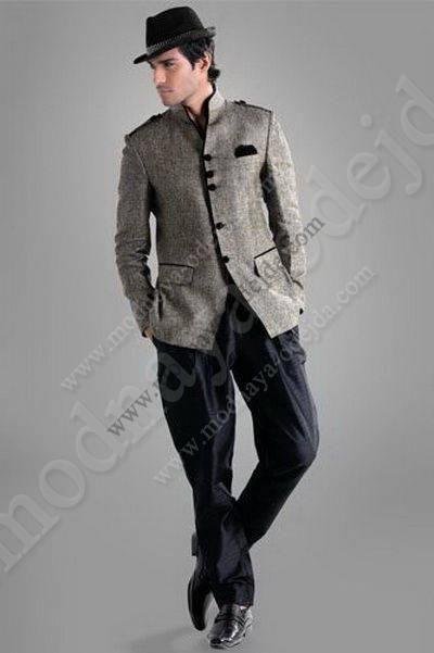 Льняной серый мужской френч (воротник - стойка)   чёрные брюки