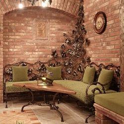 Dégustez votre verre de vin dans une cave à vin réalisée avec la passion.
