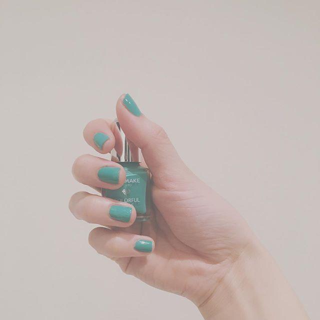 コスパ良すぎ🙄❤ . . #無駄遣いがなくならない #360円 #やっす #canmake #canmaketokyo #キャンメイク  #キャンメイクネイル #ネイル #セルフネイル  #マニキュア #nail #nailstagram #selfnail #manicure #コスメ