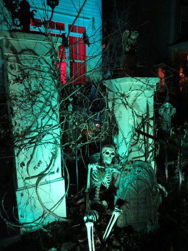 100 best Halloween graveyard images on Pinterest | Halloween ...