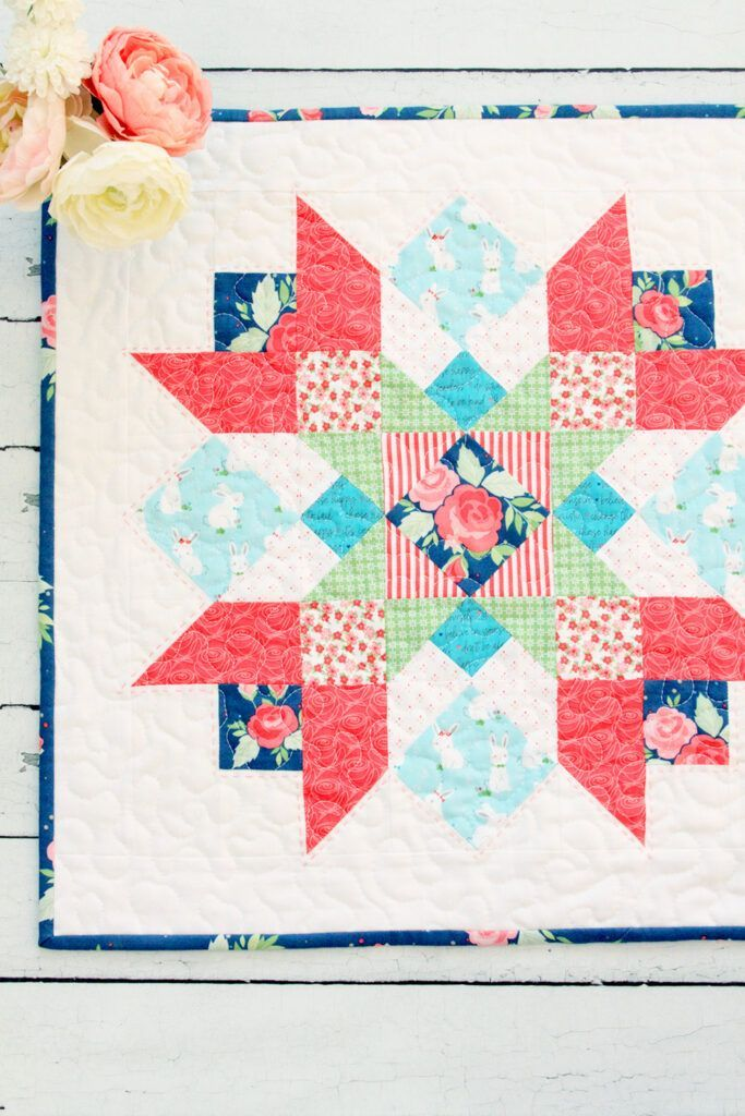 Winifred Rose Hayride Star Mini Quilt In 2020 Mini Quilt Patterns Mini Quilt Quilting Projects