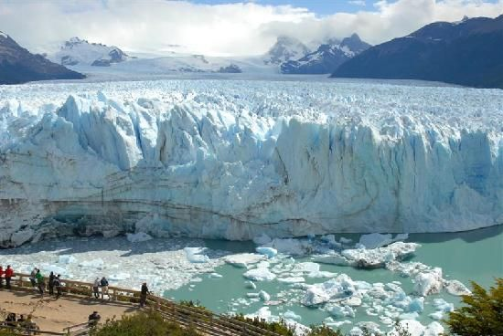 22 spectacular places around the world - Perito Morino GLacier, Patagonia, Argentina