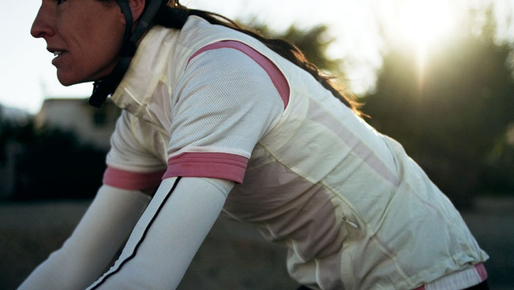 Rapha for Women, love the classic lines of these jerseys, not too flashy