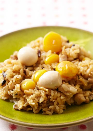 鶏とたけのこの中華おこわ のレシピ・作り方 │ABCクッキングスタジオ ... 炊飯器で炊きたい場合は、【6】で調味液を入れずに米だけを炒め、すべてを炊飯器に入れてから調味液を加えて炊こう。