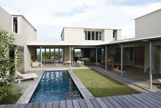 Internal courtyard. Johann Slee - Mosselberg Villa, Hermanus, South Africa
