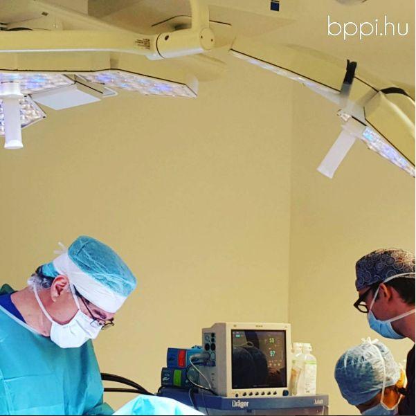 Éppen a műtőben. // Now at the surgery room. #bppi #surgeryroom #plasticsurgeon #plasticsurgery #budapestplasztika #budapestplasticsurgery http://www.budapestplasztika.hu/en