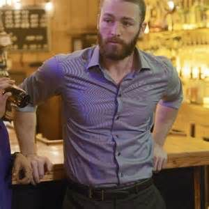 http://headlineplanet.com/home/2016/04/26/first-look-quantico-characters-say-yes-to-graduation-in-season-finale/jake-mclaughlin-7/