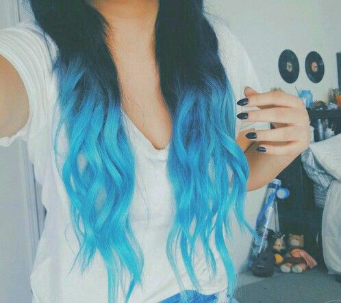 Beautiful blue ombre!!!!! Stunning!!! I would've done this but I don't really know how to do this stuff.