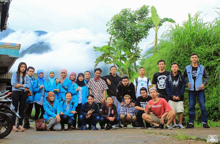 "Video :  Sosial/budaya Edit and FG Photo : DOR (OFFICIAL PRODUCTION) ""Penyuluhan kesehatan"" Bersama : ""GUYUB LUDRUK CREW"" Dan "" Akper,UMS,Solo. At.Selo,Boyolali,Jawa Tengah."