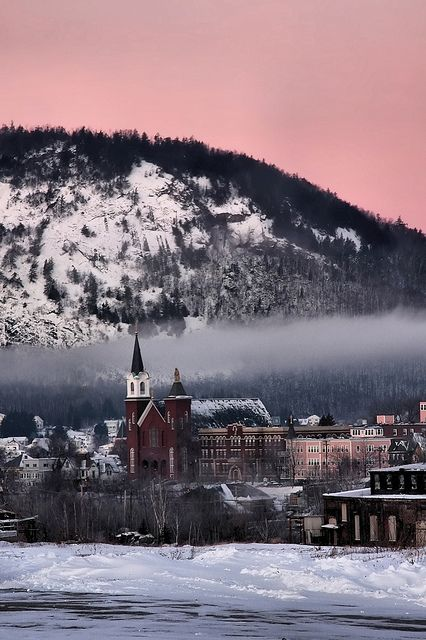 Berlin, New Hampshire: as much as I don't like it sometimes, this sure is a beautiful picture of it.