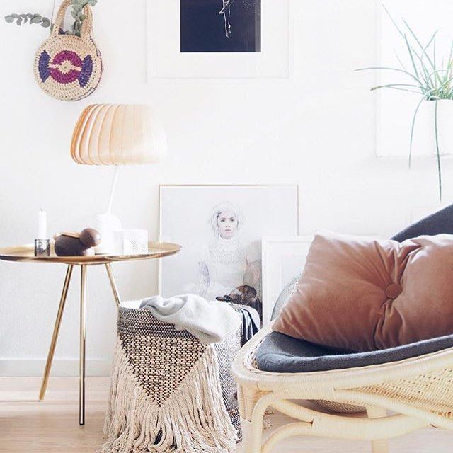 NO.9 cushion in velvet - Photo: monsterscircus.com  #pyntepude #rosa #stue #hyggehjørne #livingroom