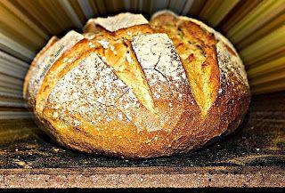Μοσχοβόλησε το σπίτι ζεστό ψωμί...